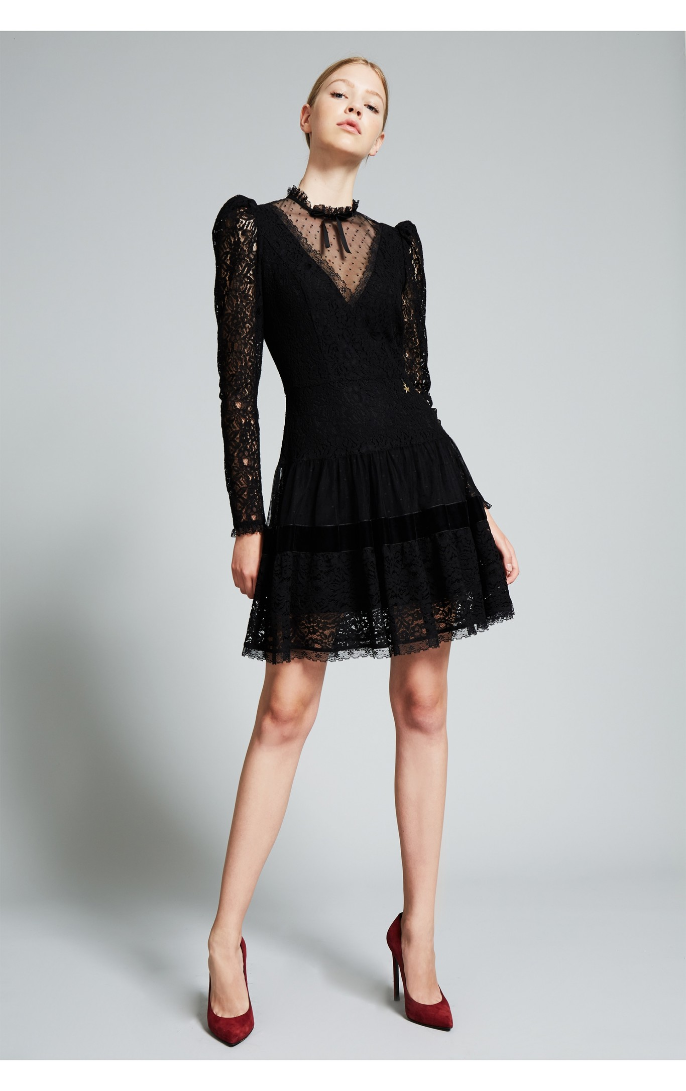 Long Black Party Dresses: a Classic that Never Fails