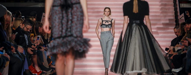 The philosophy of women's dresses