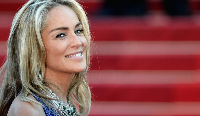 Style Of Sharon Stone: How To Be Fashionable In 60