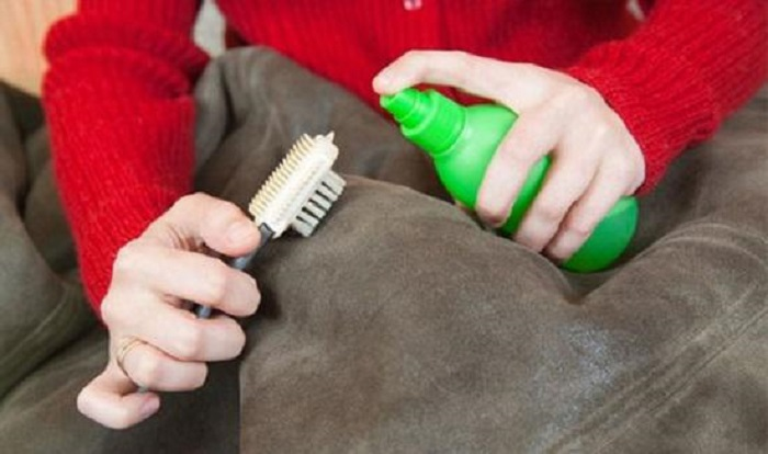 How to clean a sheepskin coat