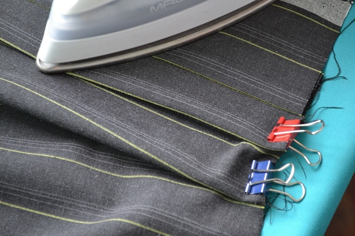 How to iron a pleated skirt